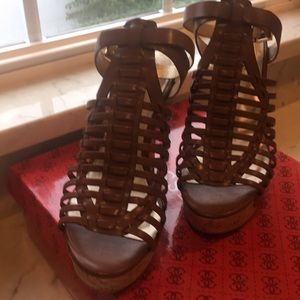 Never worn 8 medium Wedge shoes by guess